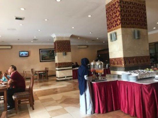 The Breakfast Picture Of Bali World Hotel Bandung Tripadvisor