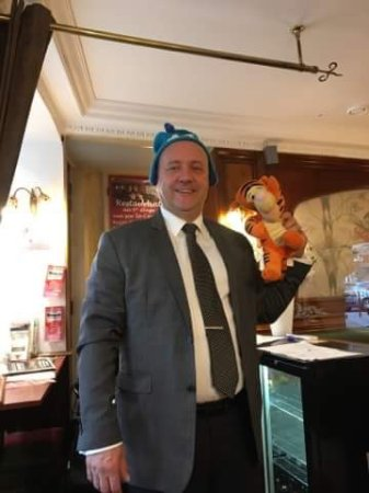 Hesdin, France: Owner is good with children as well, has a great sense of humour