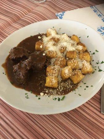 San Dorligo della Valle-Dolina, Italia: Gnocchi di patate con goulash