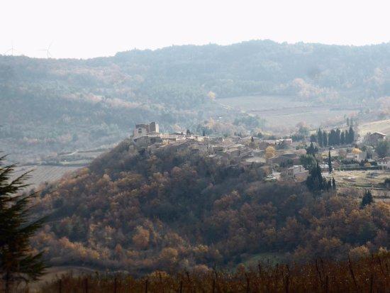 Vue sur le village de Roquetaillade dans l'Aude CP 11300