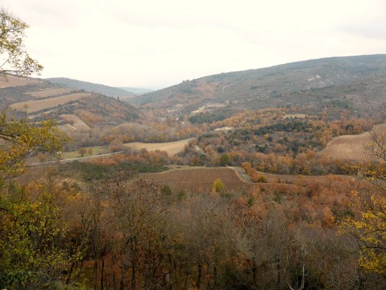 Vue sur les environs depuis Roquetaillade dans l'Aude CP 11300