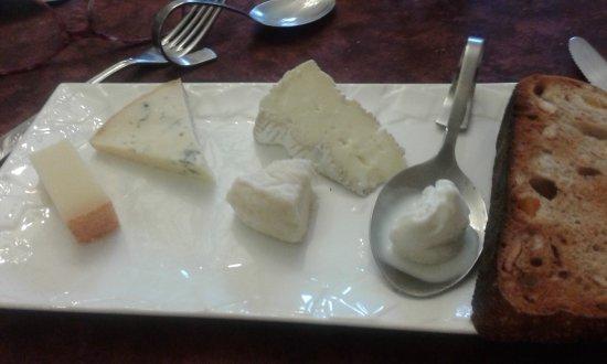 Belleville, Fransa: assiette fromages