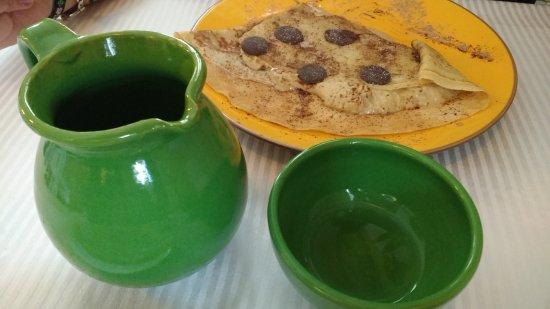Azuqueca, Spain: Creppe de tiramisú y jarra de sidra