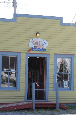 Woody Point, Canada: Outside of shop