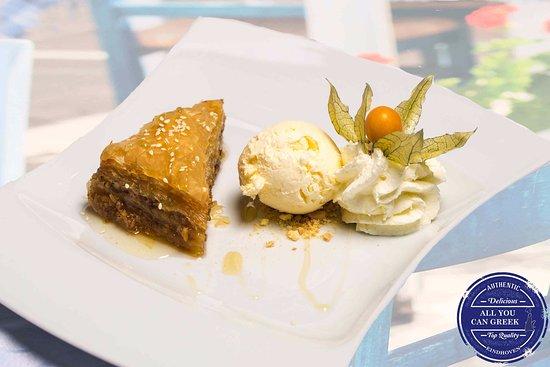 All You Can Greek: Baklava met ijs