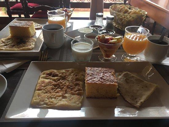 Riad Bahia Salam: Mycket god frukost!