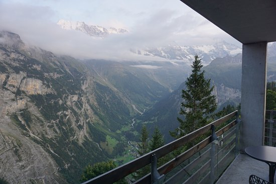 Hotel Edelweiss: Drop dead gorgeous view from our balcony!
