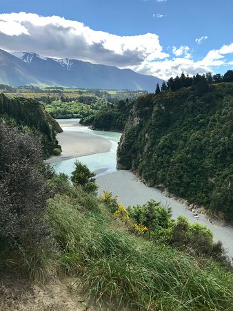 Windwhistle, New Zealand: Views of the gorge from campground