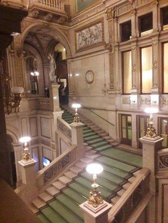 Le grand hall d\'entrée - Bild von Opera of Vienna Guided ...
