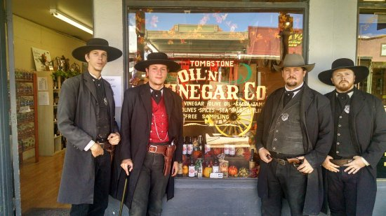Tombstone, AZ: getlstd_property_photo