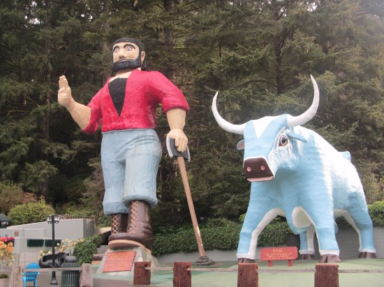 Klamath, CA: PAy Bunion and Babe the Blue Ox at the Entrance to Trees of Mystery