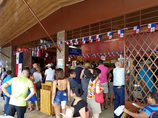 Capira, Panama: The small crowd in line