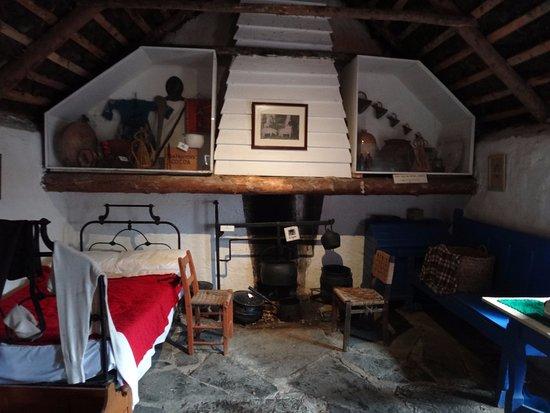 Glenbeigh, Ireland: Re-created house