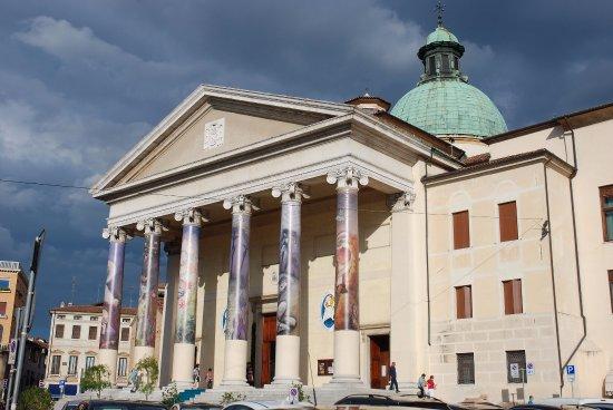 Img 20171125 165526 foto di centro storico di - Centro veneto del mobile recensioni ...