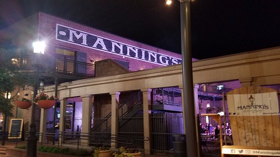 Manning's : outside space