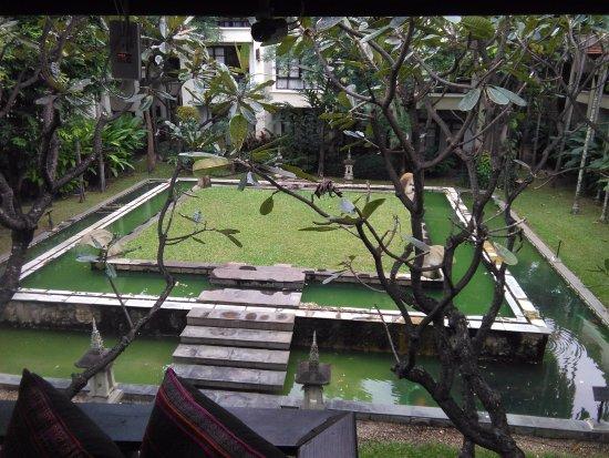 โรงแรมโพธิ ศิรีนทร์: bassin d'ornement