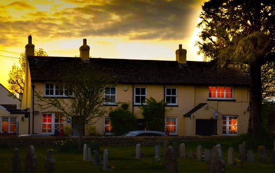The Chetnole Inn: View of Chetnole Inn on a Spring Evening