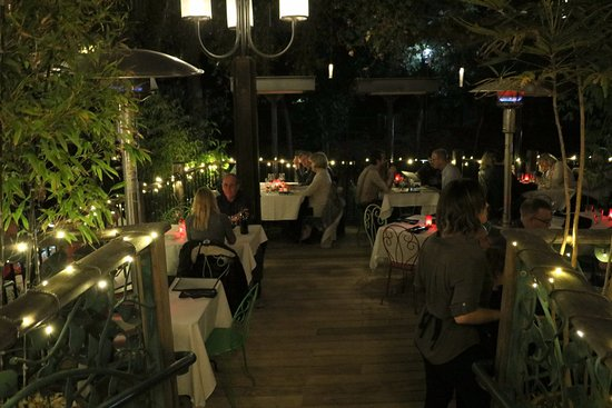Novo Restaurant & Lounge: Patio seating by the creek