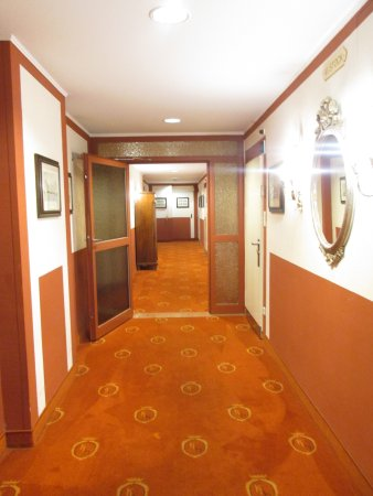 Hotel Royal Image