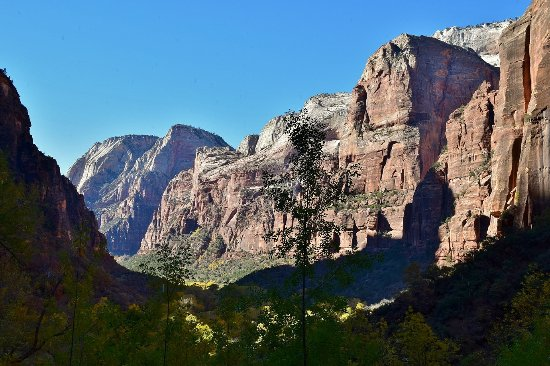 Weeping Rock Trail : View from Weeping Rock