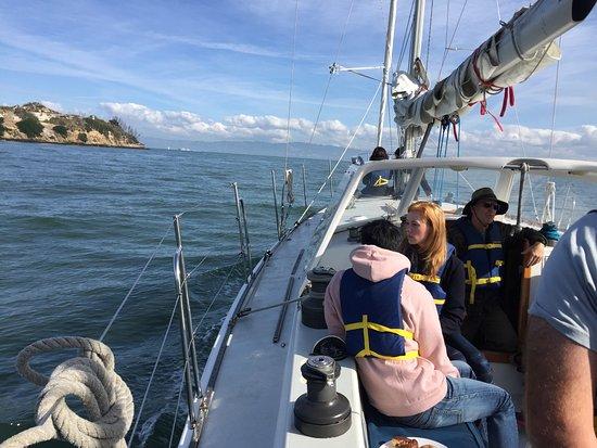 Captain Kirk's San Francisco Sailing - Tours: Sailing towards Alcatraz