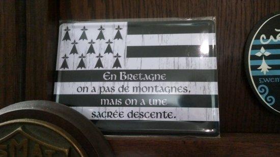 Saint-Genis-Pouilly, France: Le Triskel Celtique