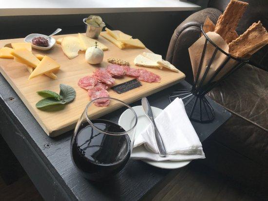 Fairview, Carolina do Norte: Big cheese plate