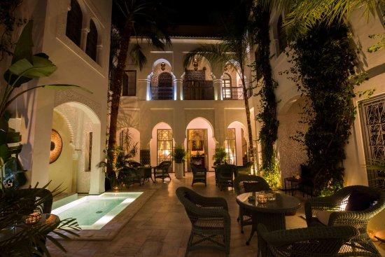 Riad Idra: The gorgeous inner courtyard.