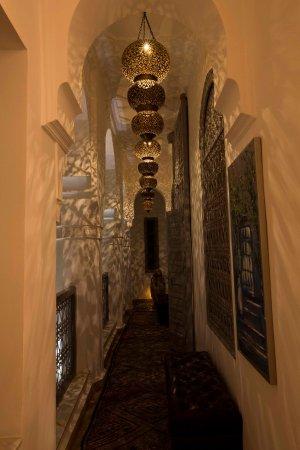 Riad Idra: Hallway on the inner courtyard.