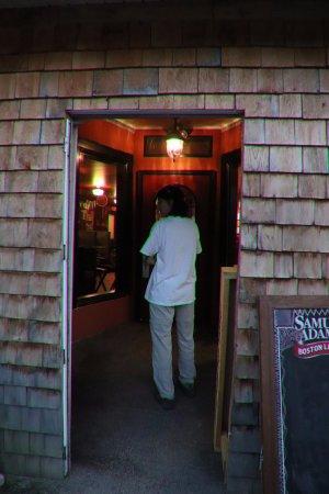 Littleton, NH : Entering the main door