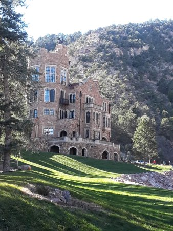 Glen eyrie castle colorado springs all you need to for Glen castle