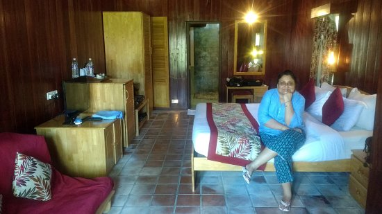 Silver Sand Beach Resort : Somewhat better Andaman Cottage rooms. Ateast it was not smelly.