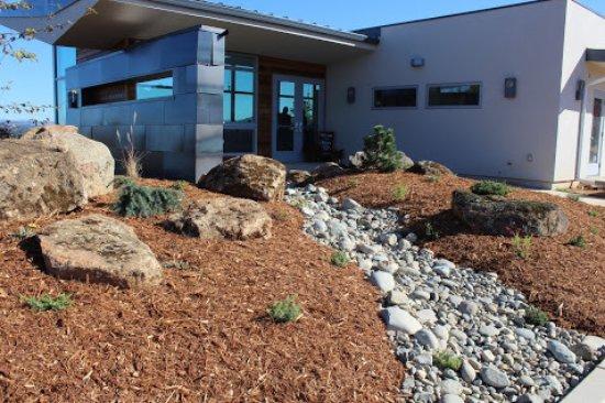 Plymouth, Califórnia: Iron Hub entry to tasting room