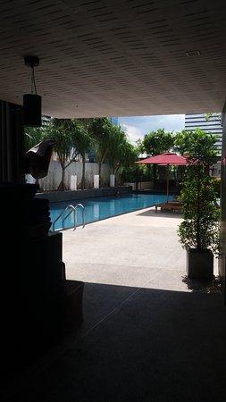 park plaza bangkok soi 18 review