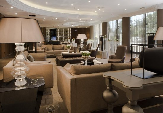 AC Hotel by Marriott Nice: Our hotel in Nice features contemporary style and superior service.