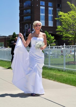 Bay City, MI: Walk Down Our Aisle