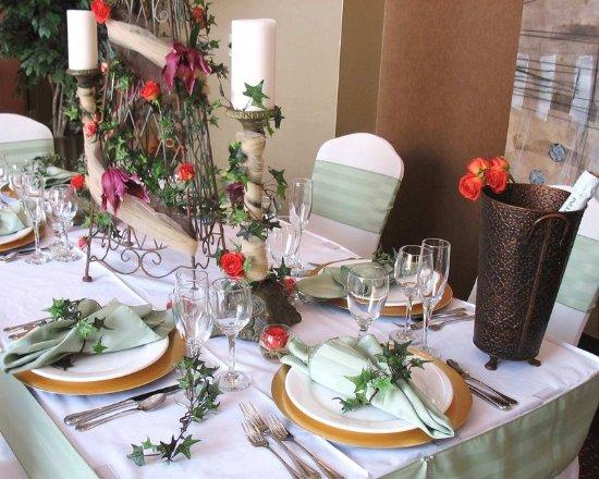 Bay City, MI: Elegant Table Settings