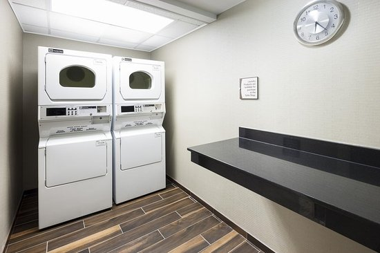 Homewood Suites by Hilton Chattanooga/Hamilton Place: Laundry Room