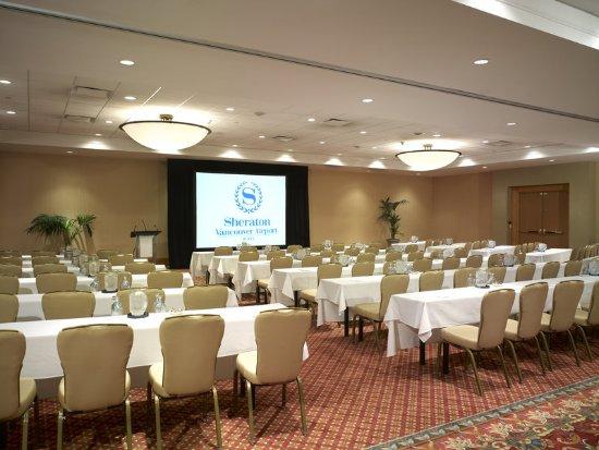 Sheraton Vancouver Airport Hotel: Ballroom Classroom Style Set-up