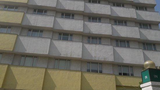 Lemon Tree Hotel, Ahmedabad: 20171031_121610_large.jpg