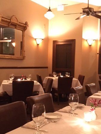 Back Bay Grill: dining room