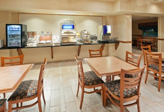 Fallon, NV: Breakfast Bar