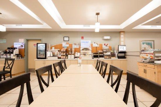 Dieppe, Canada: Breakfast Bar