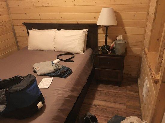 Panamint Springs Resort: Cabin room 24