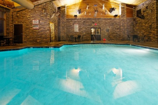 Holiday Inn Express & Suites - The Hunt Lodge: Swimming Pool