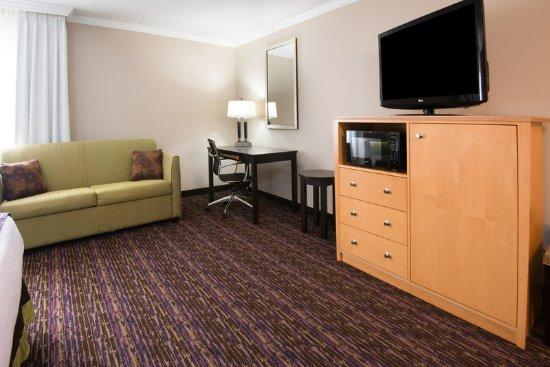 Holiday Inn Williamsport: King Guest Room