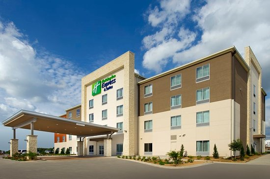 Holiday Inn Express & Suites Bay City: Hotel Exterior