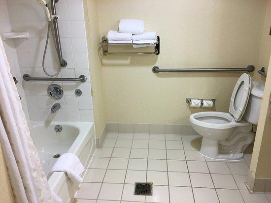 Suffolk, VA: bathroom 1