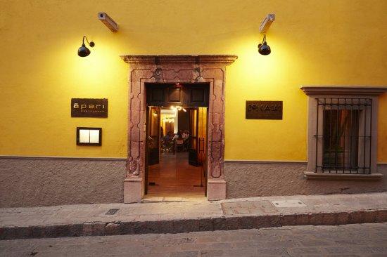 Hotel Dos Casas: Exterior