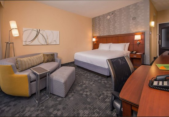 Landover, MD: King Guest Room